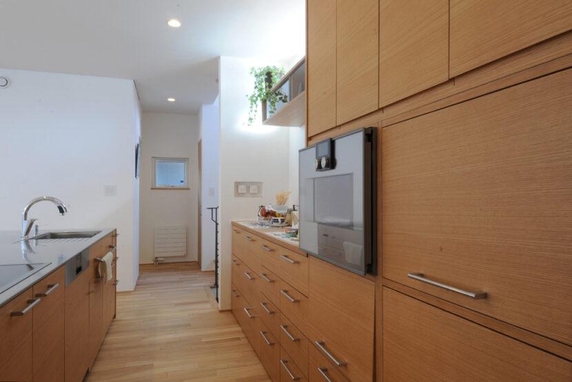 8.キッチン収納