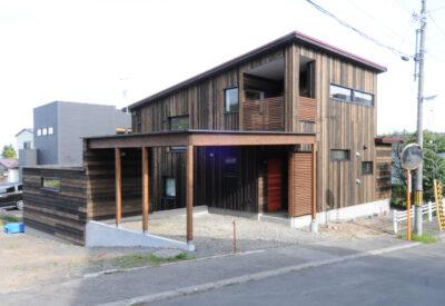 傾斜を活かした変化ある暮らし 「稲穂のスキップハウス」の画像
